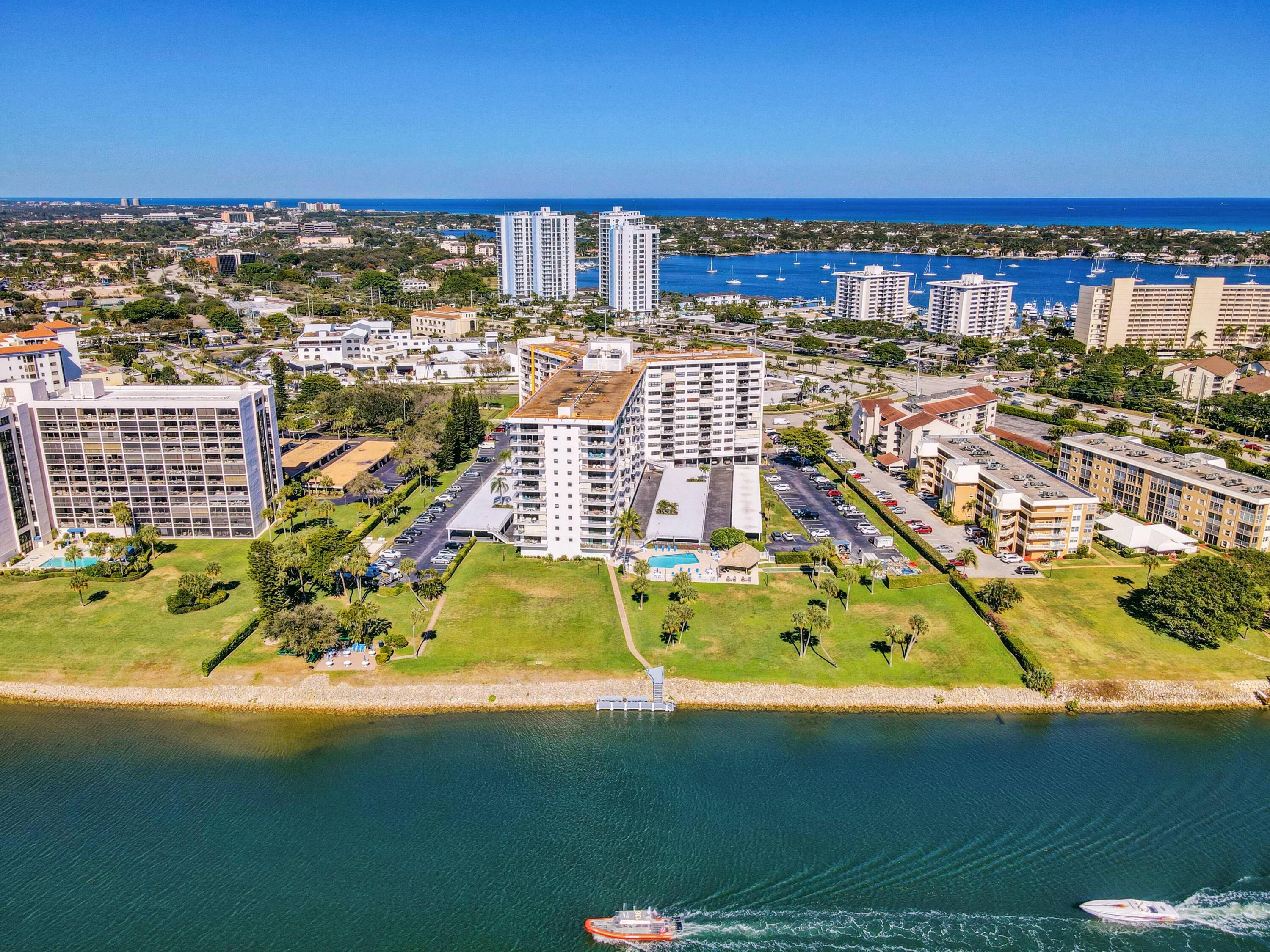 336  Golfview Road 1017 For Sale 10724068, FL