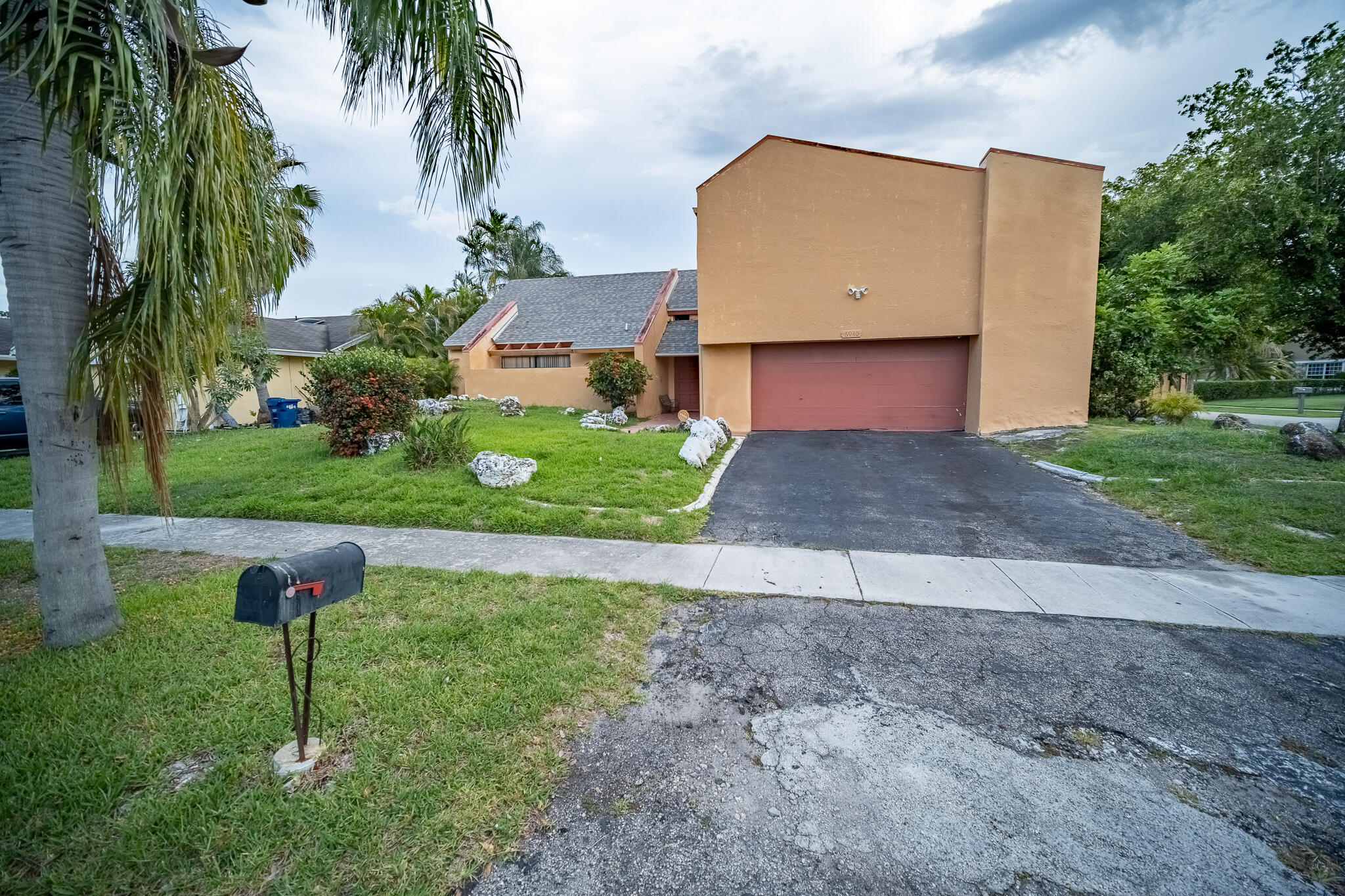 Details for 6940 45 St Nw, Lauderhill, FL 33319