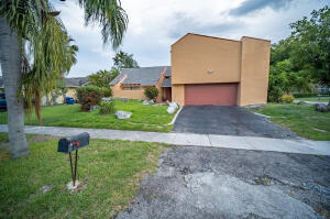 6940 NW 45 St, Lauderhill, FL 33319