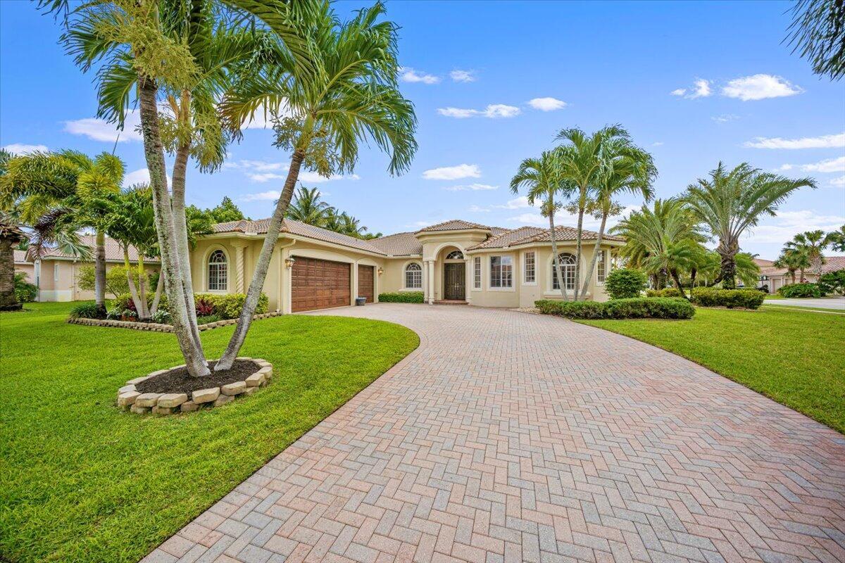 4696  Sugar Beach Way  For Sale 10725124, FL