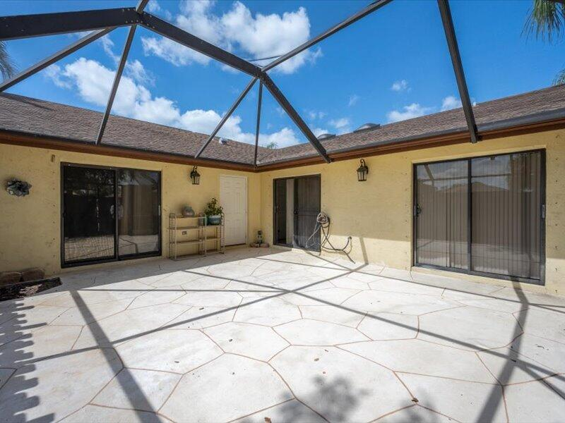 13680  Yarmouth Court A For Sale 10724387, FL