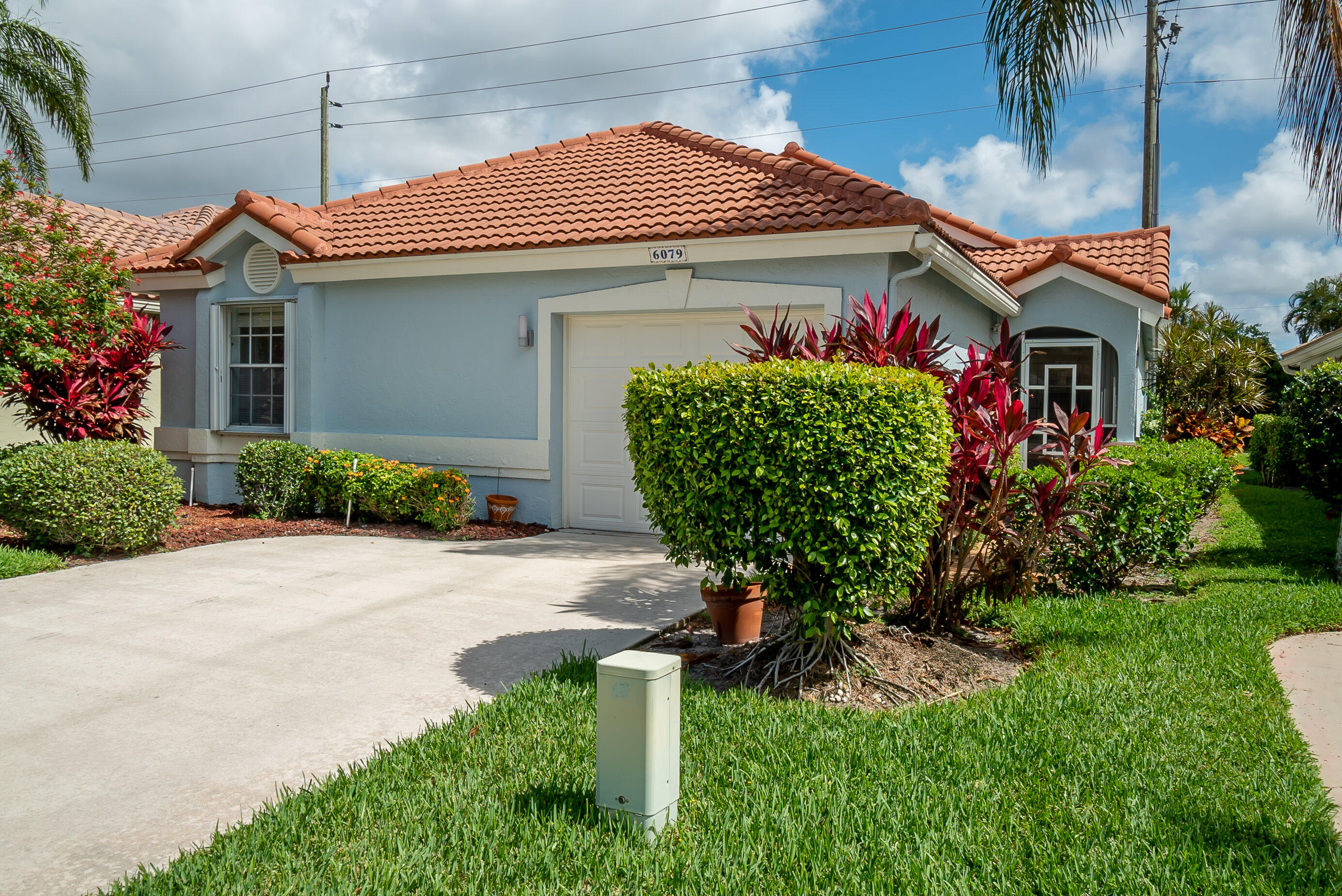 6079  Bay Isles Drive  For Sale 10724637, FL