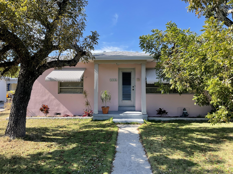 1212 NE 8th Avenue  For Sale 10724457, FL
