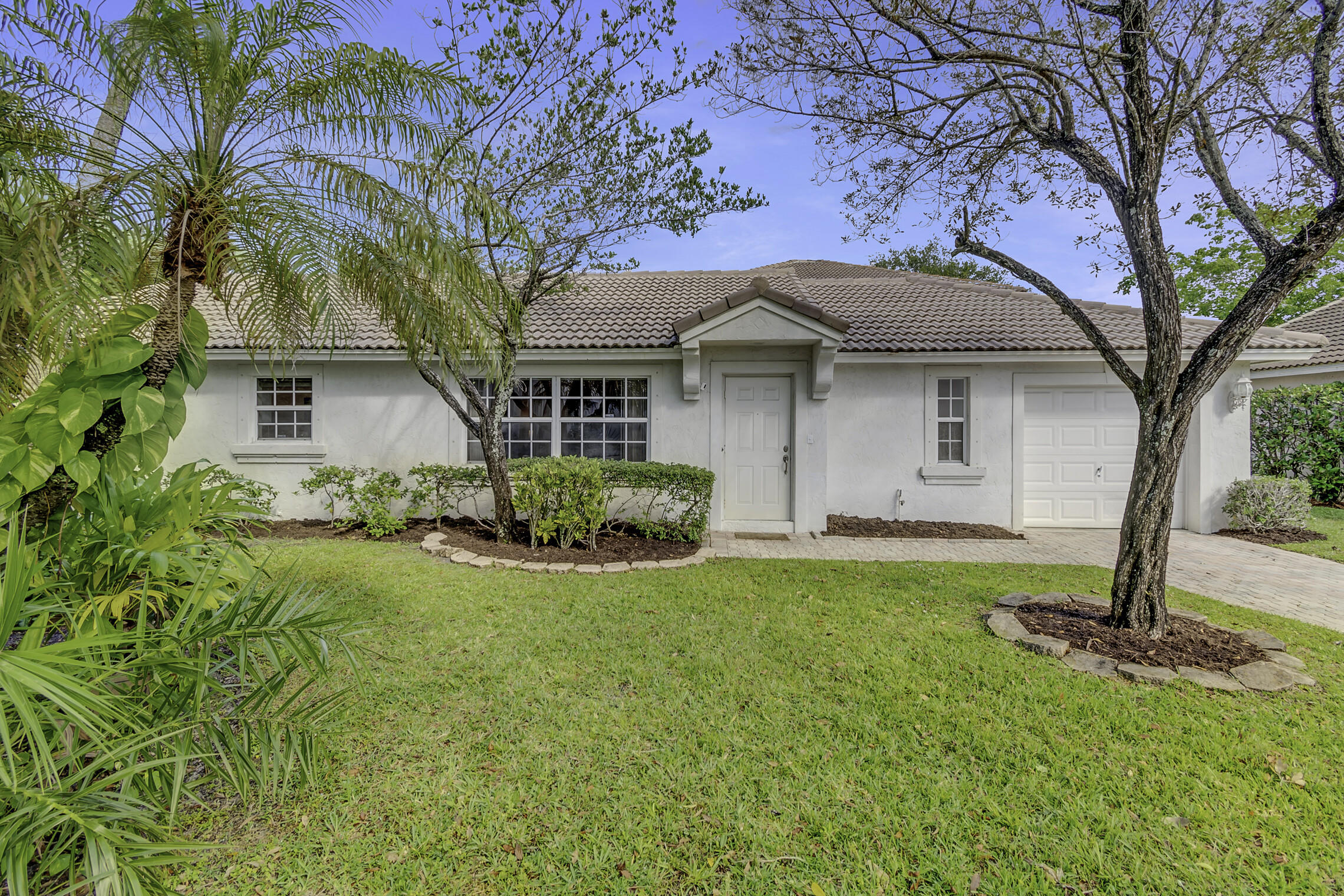 1906  Capeside Circle  For Sale 10724693, FL