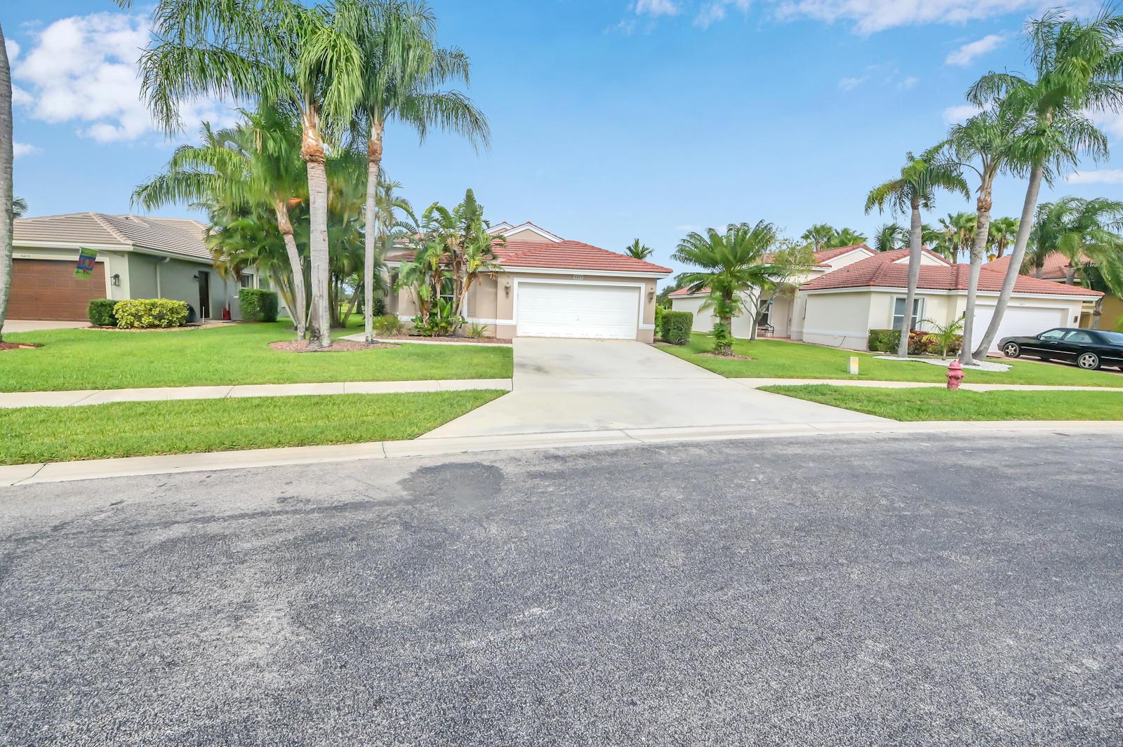 5409 Oakmont Village Circle Lake Worth, FL 33463