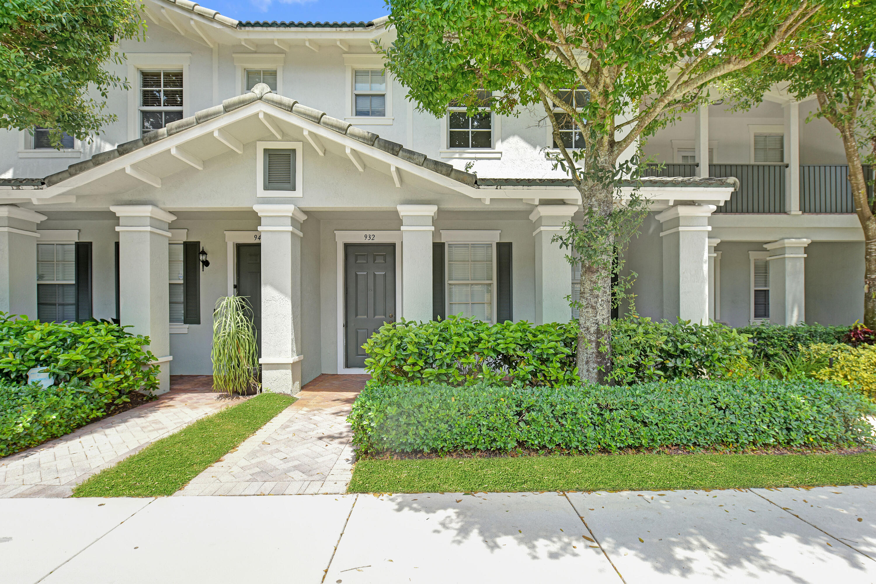 932 NW 18th Avenue  For Sale 10724979, FL