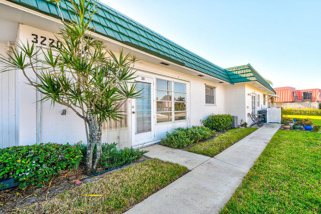 Home for sale in MERIDIAN CONDO 12 Palm Beach Gardens Florida