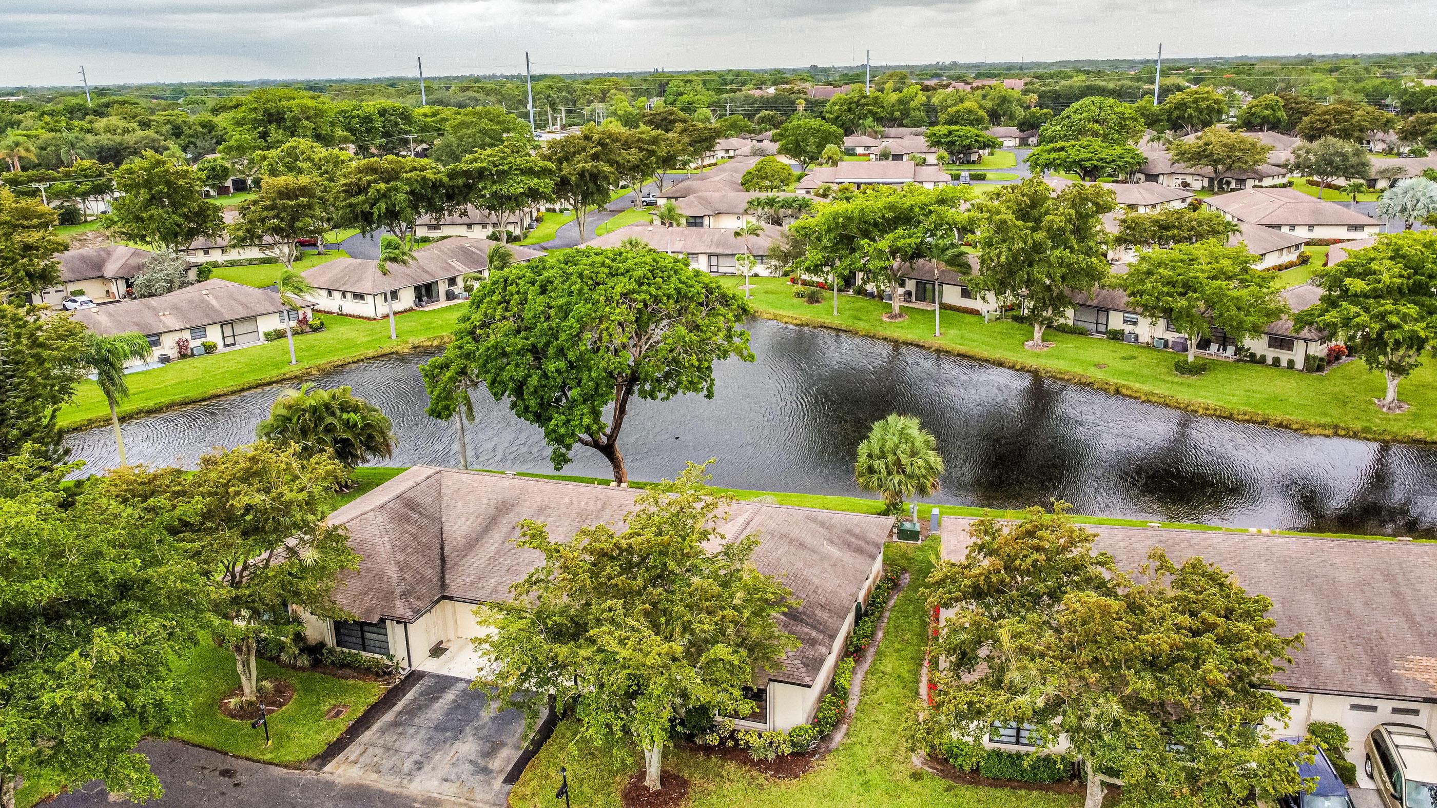 4779  Quailwood Terrace B For Sale 10724782, FL