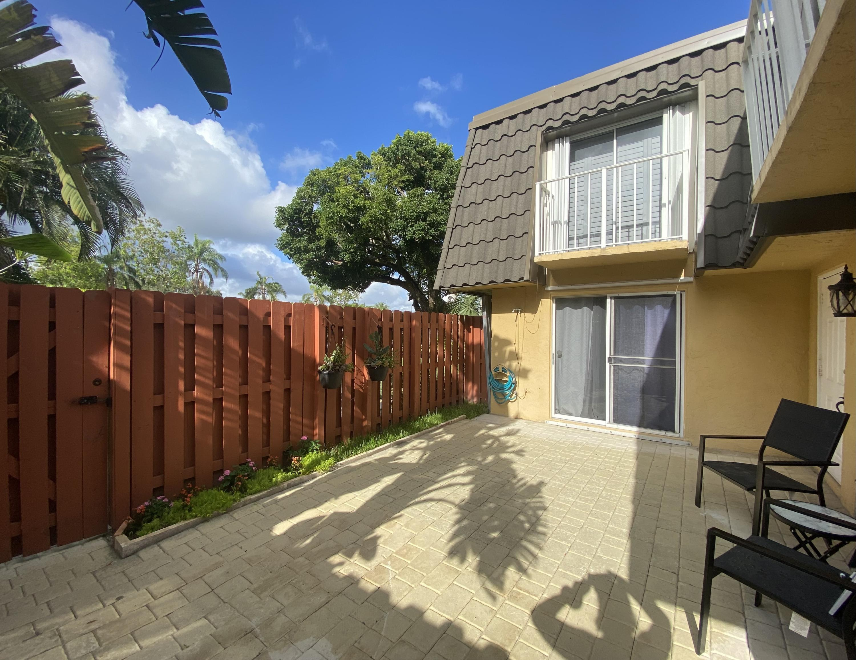 22172  Boca Rancho Drive D For Sale 10724955, FL