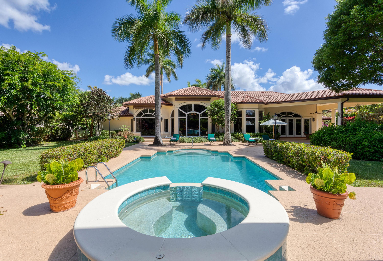 8236  Twin Lake Drive  For Sale 10722524, FL