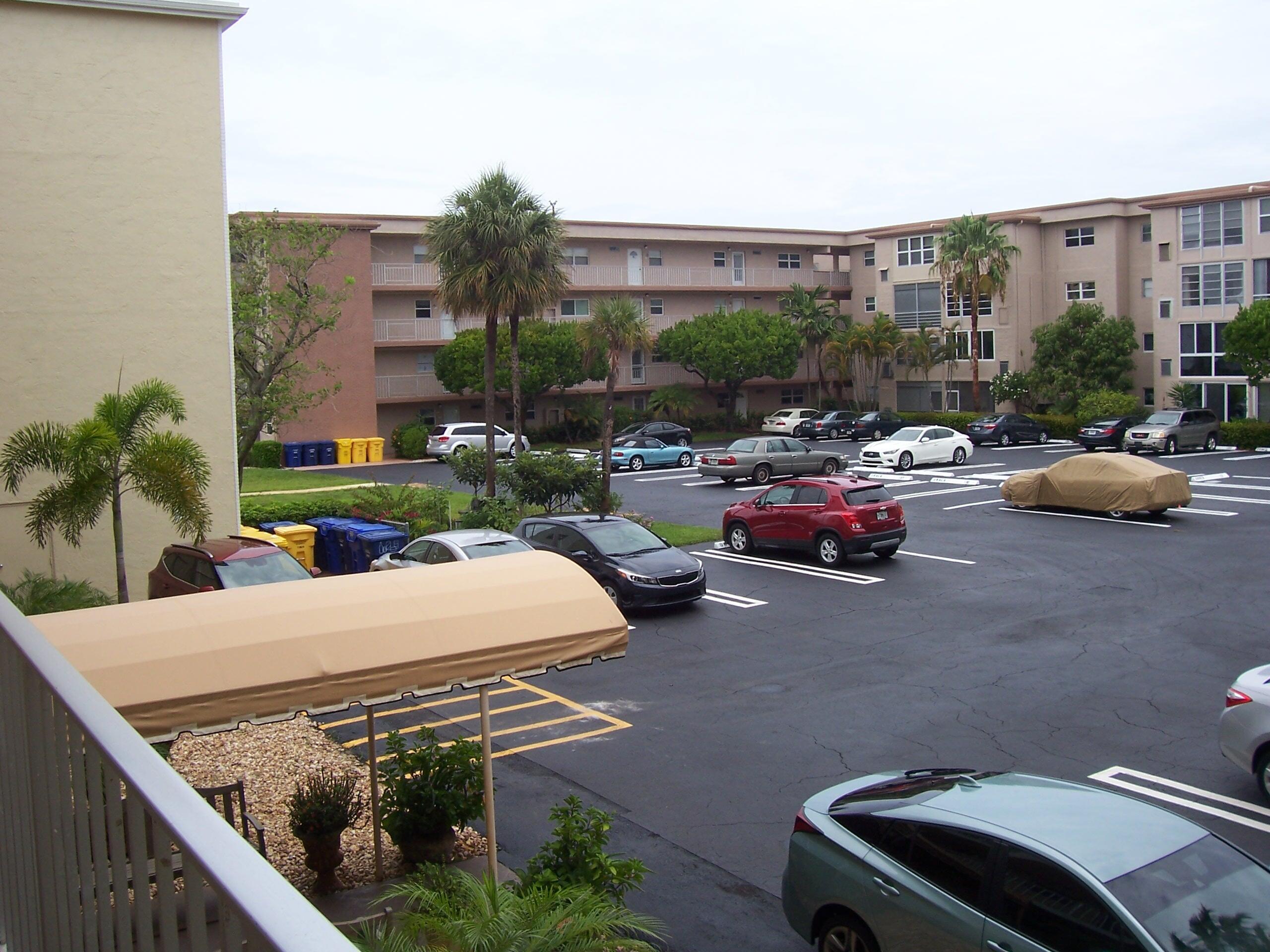 Home for sale in VILLAGE ROYALE ON THE GREEN CONDO Boynton Beach Florida