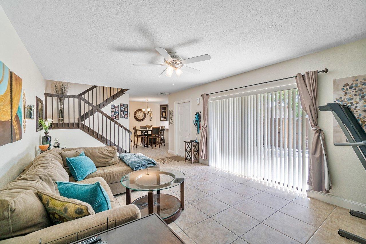 5715 57th Way - 33409 - FL - West Palm Beach