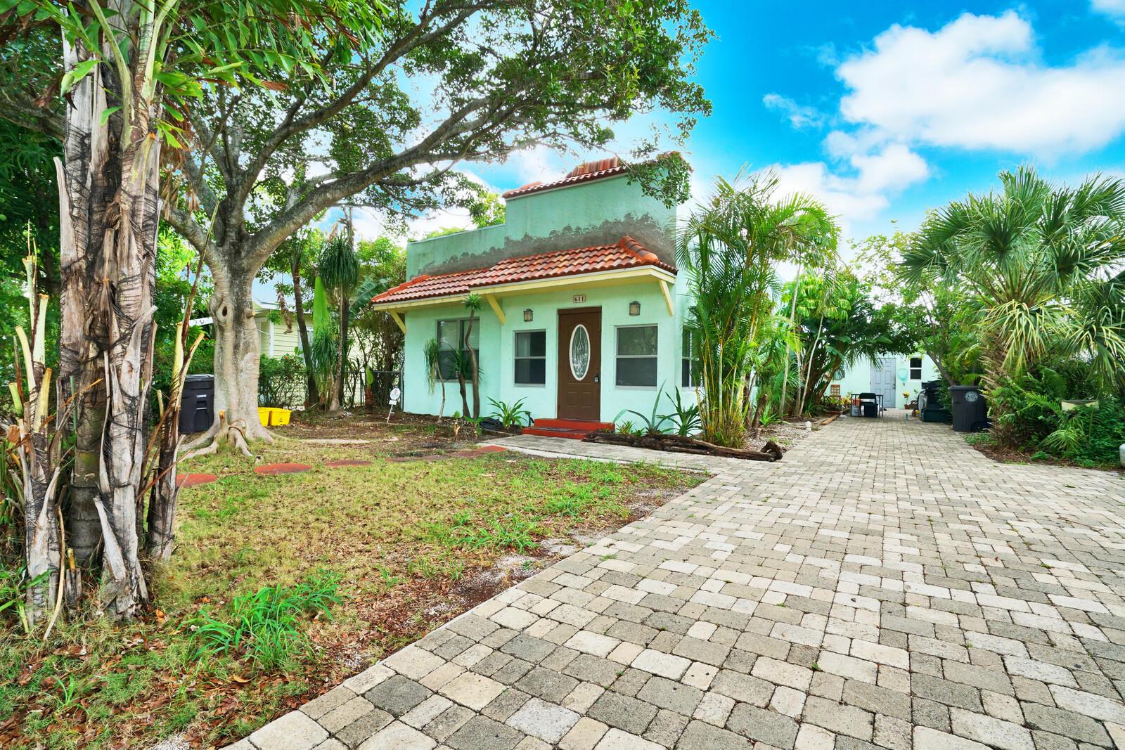 611  Avenida Alegre   For Sale 10724672, FL