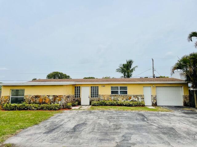 2149 Bonnie Drive West Palm Beach, FL 33415