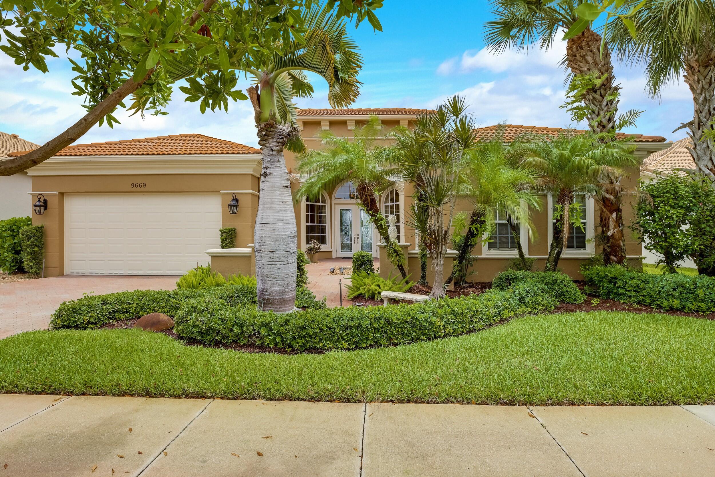 9669  Via Grandezza   For Sale 10725147, FL
