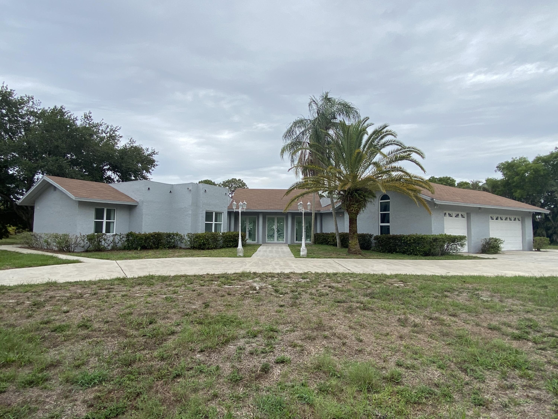 6077 Pineneedle Lane Lake Worth, FL 33467