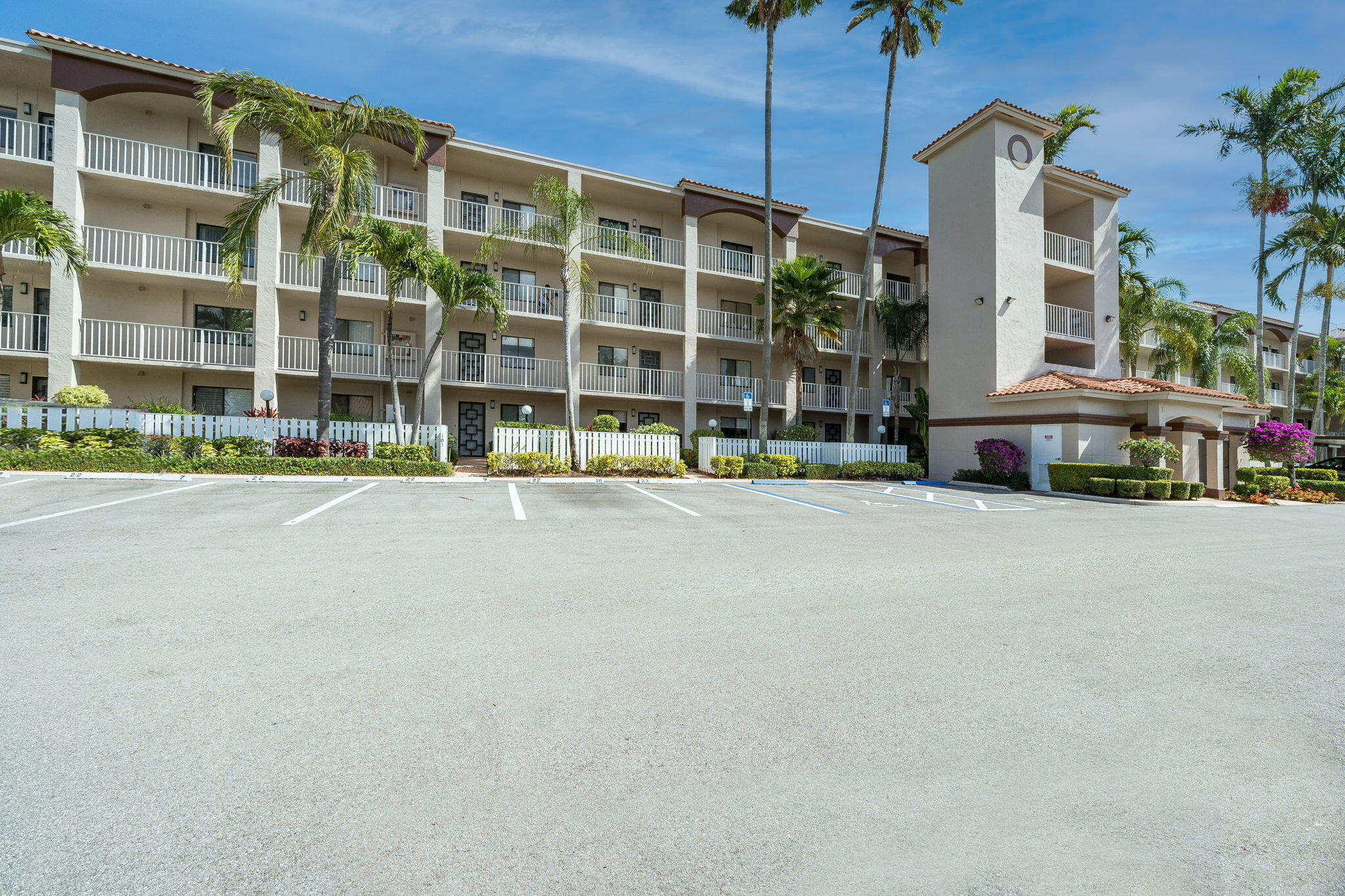 6149  Pointe Regal Circle 208 For Sale 10725219, FL