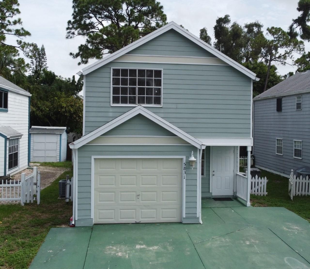 5831  Thisledown Court  For Sale 10725331, FL