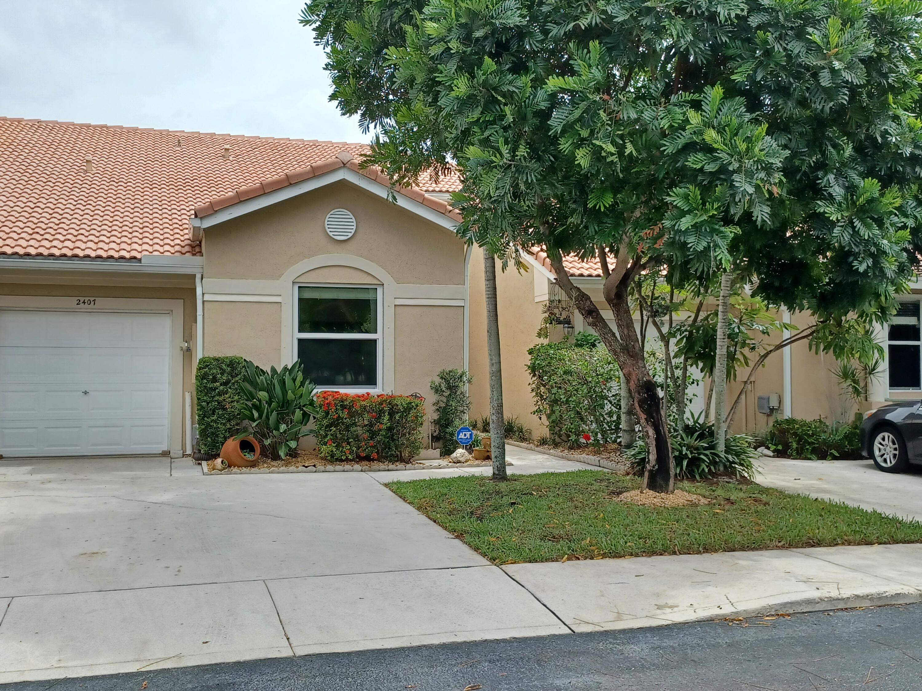 2407 N Coral Trace Circle  For Sale 10725350, FL