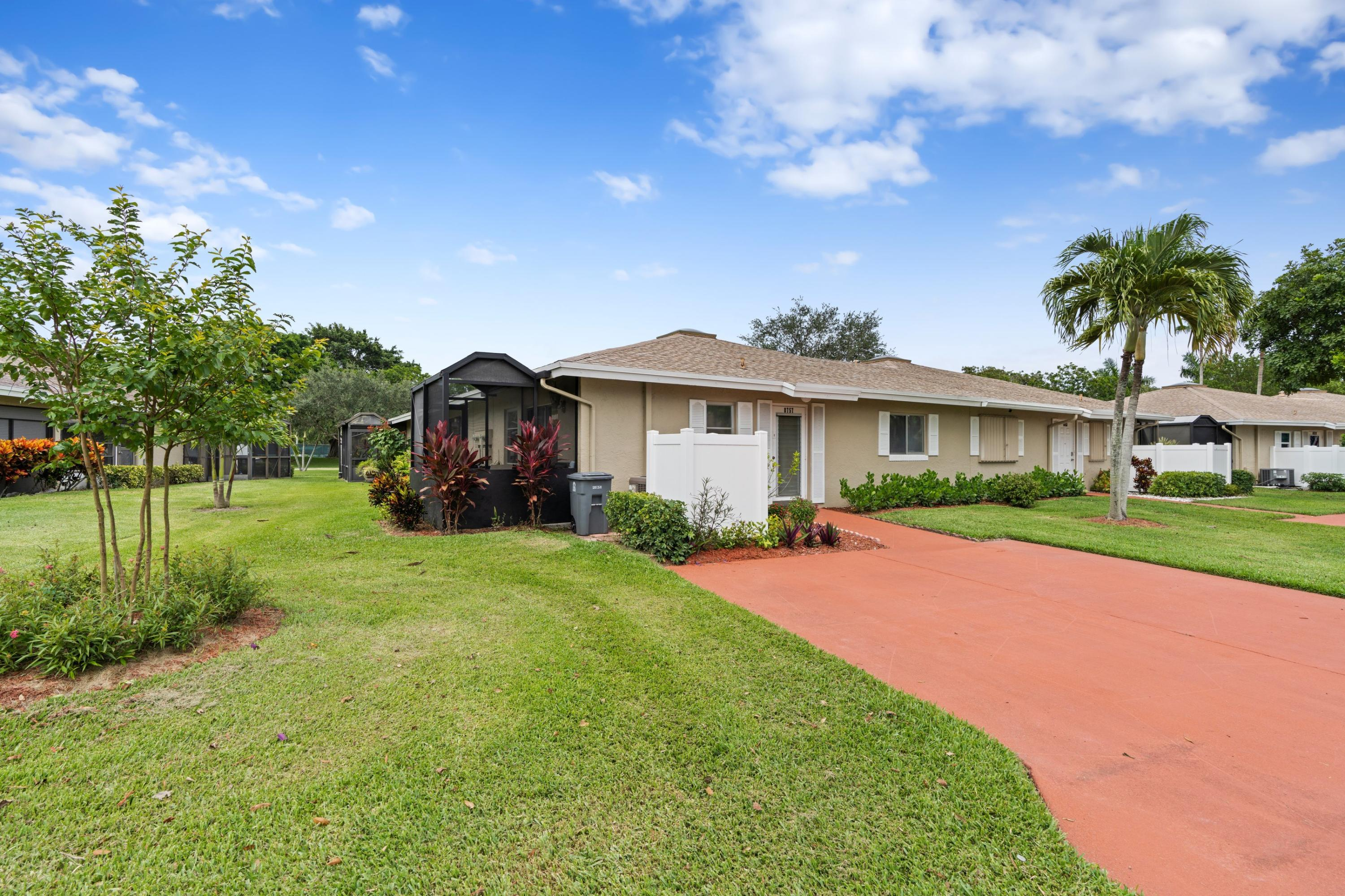8757  Windrow Way A For Sale 10724550, FL
