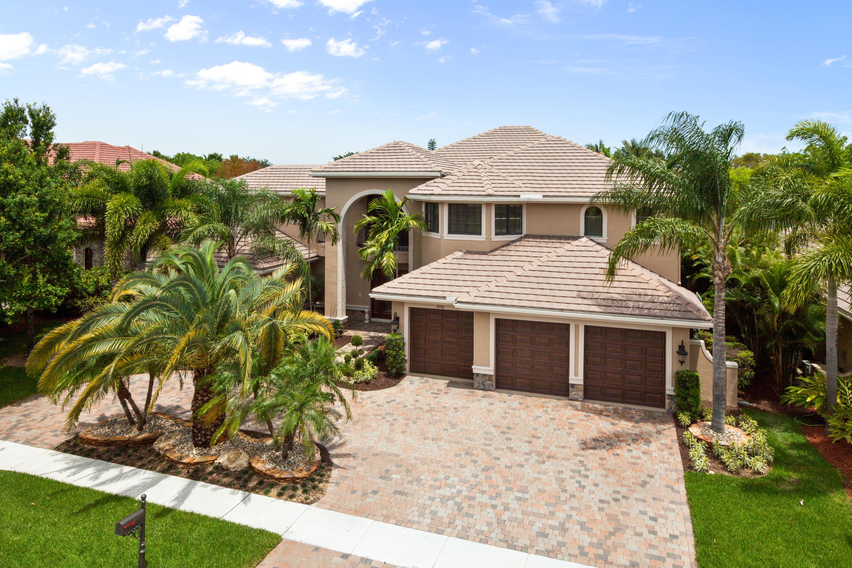 10706  Versailles Boulevard  For Sale 10726646, FL