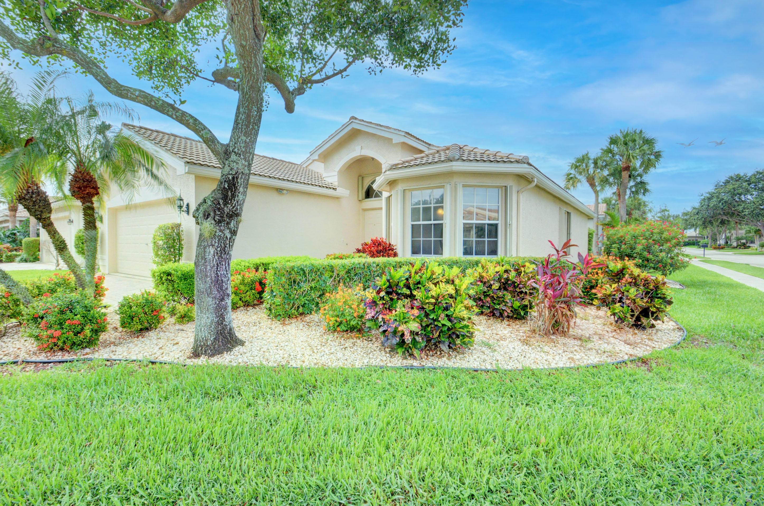 7106  Avila Terrace Way  For Sale 10725091, FL