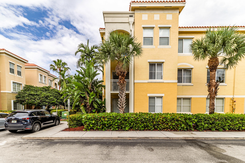 11023 Legacy Lane 203 Palm Beach Gardens, FL 33410