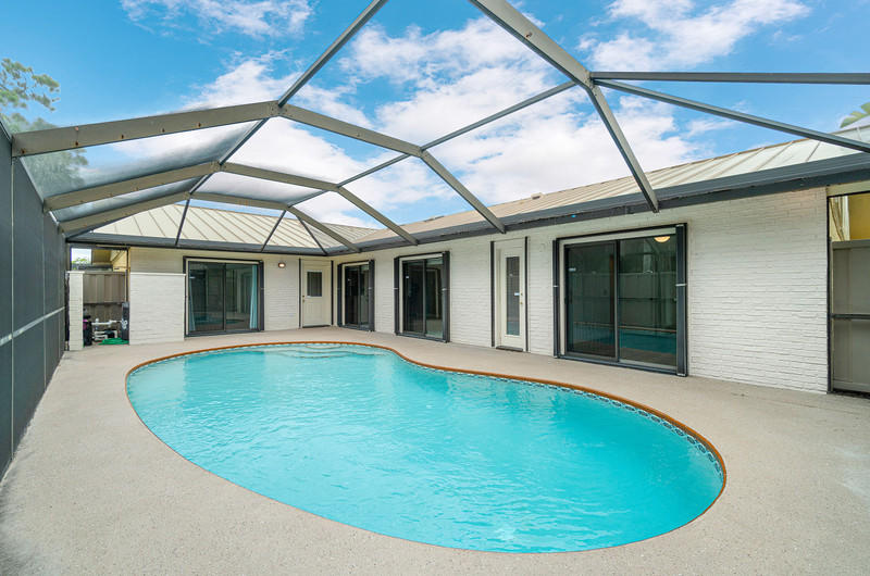 5408  Eagle Lake Drive  For Sale 10722590, FL