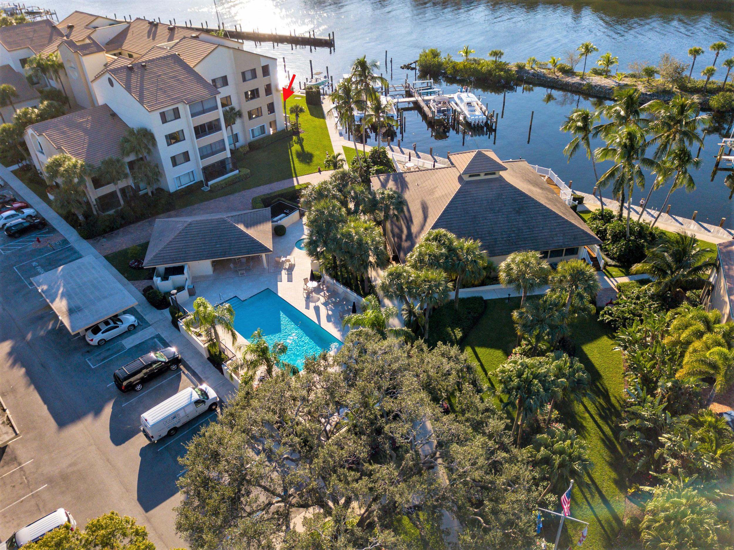 846  Oak Harbour Drive 846 For Sale 10725584, FL