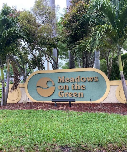 105 Meadows Circle 105  Boynton Beach FL 33436