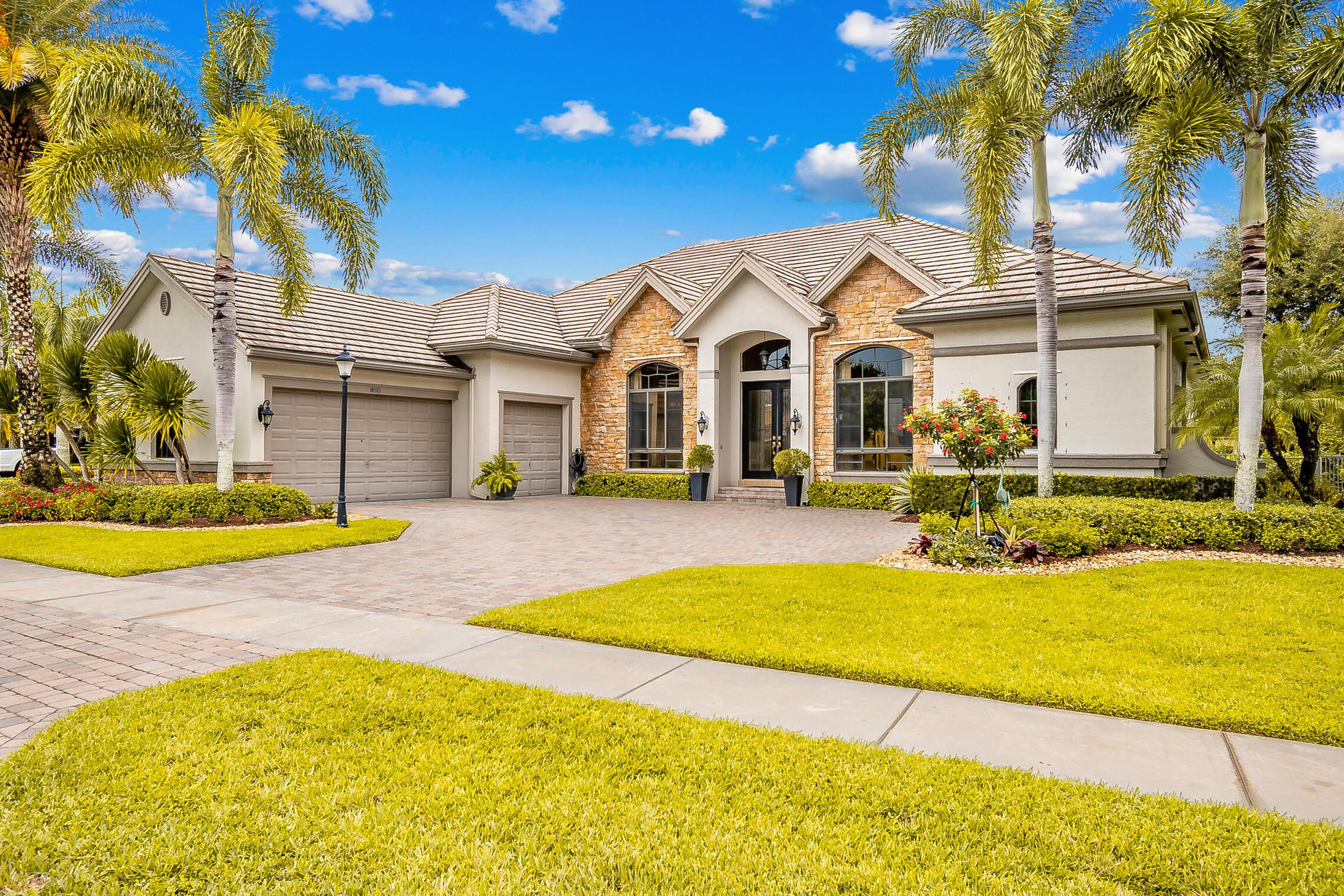 10763  Versailles Boulevard  For Sale 10725983, FL