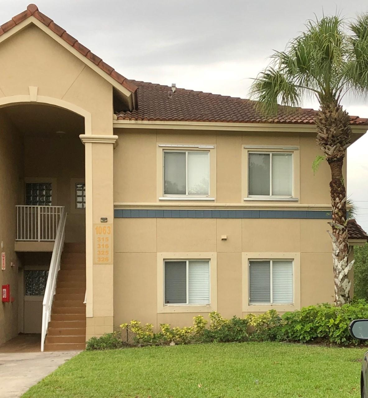 1063  Golden Lakes 323 Boulevard 323 For Sale 10725776, FL