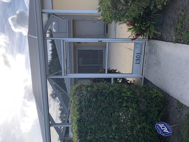 1301 Sun Terrace Court Palm Beach Gardens, FL 33403