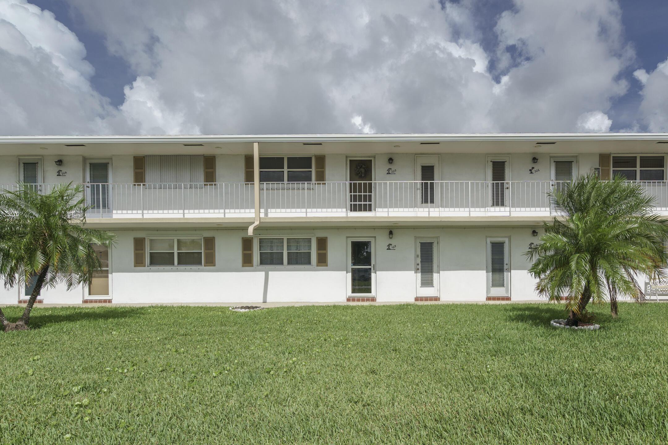 1115 Lake Terrace 105 Boynton Beach, FL 33426