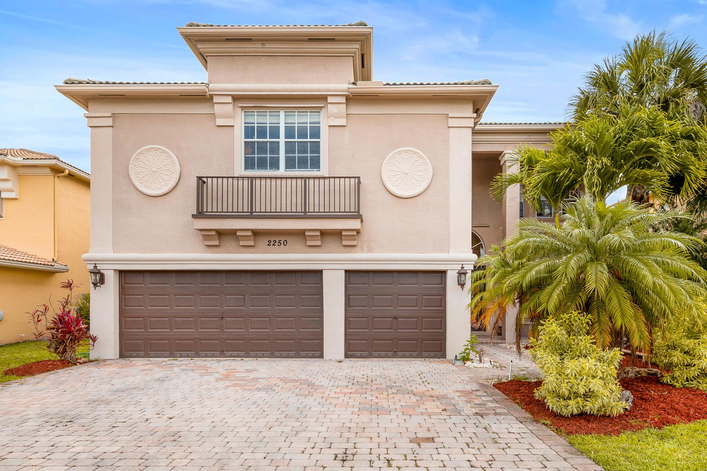 2250  Ridgewood Court  For Sale 10726143, FL