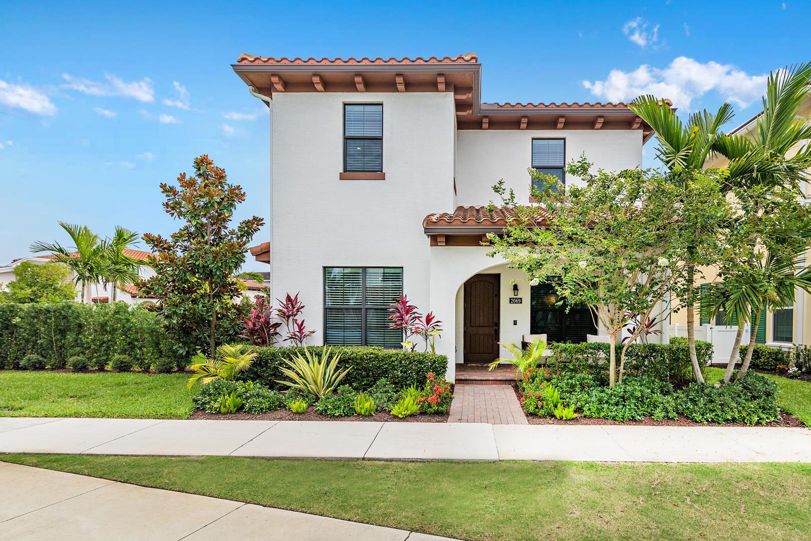2069 Dickens Terrace Palm Beach Gardens, FL 33418