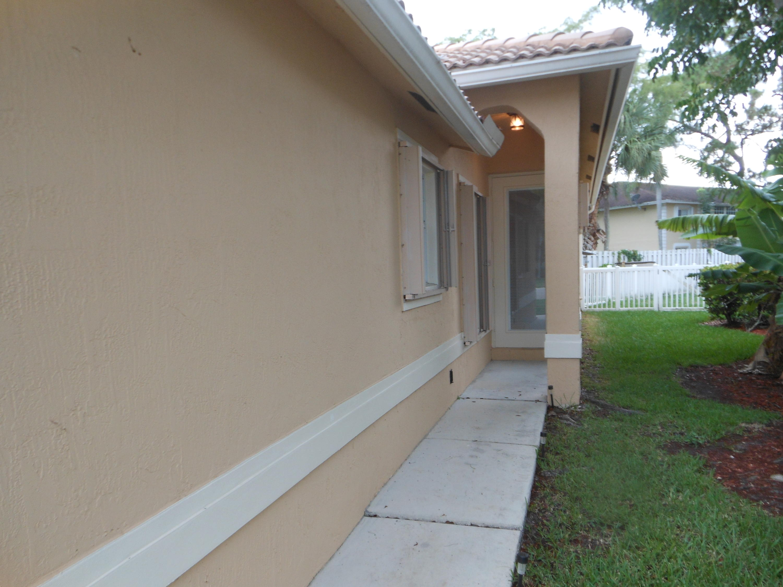 121 Prestige Drive Royal Palm Beach, FL 33411 photo 2