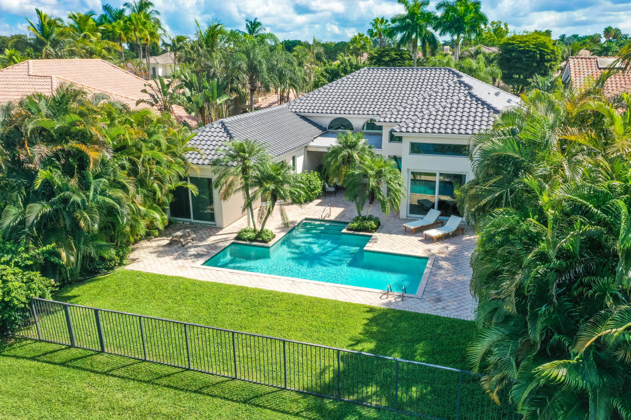 4-bedroom pool home