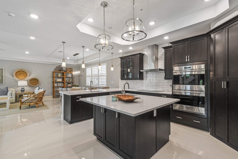 1021  Harbor Villas Drive 2 For Sale 10725526, FL
