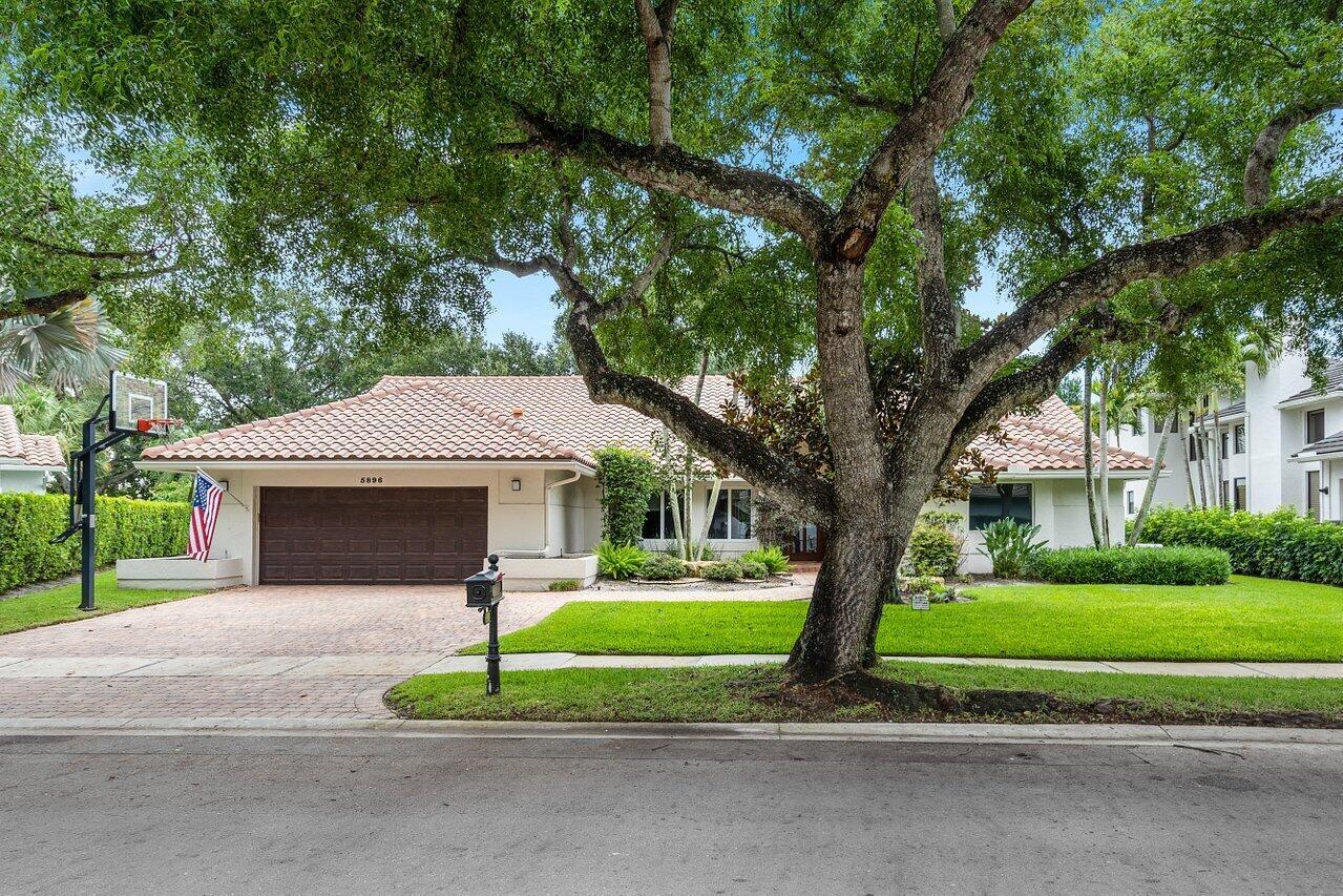 5896  Saint Annes Way  For Sale 10726446, FL