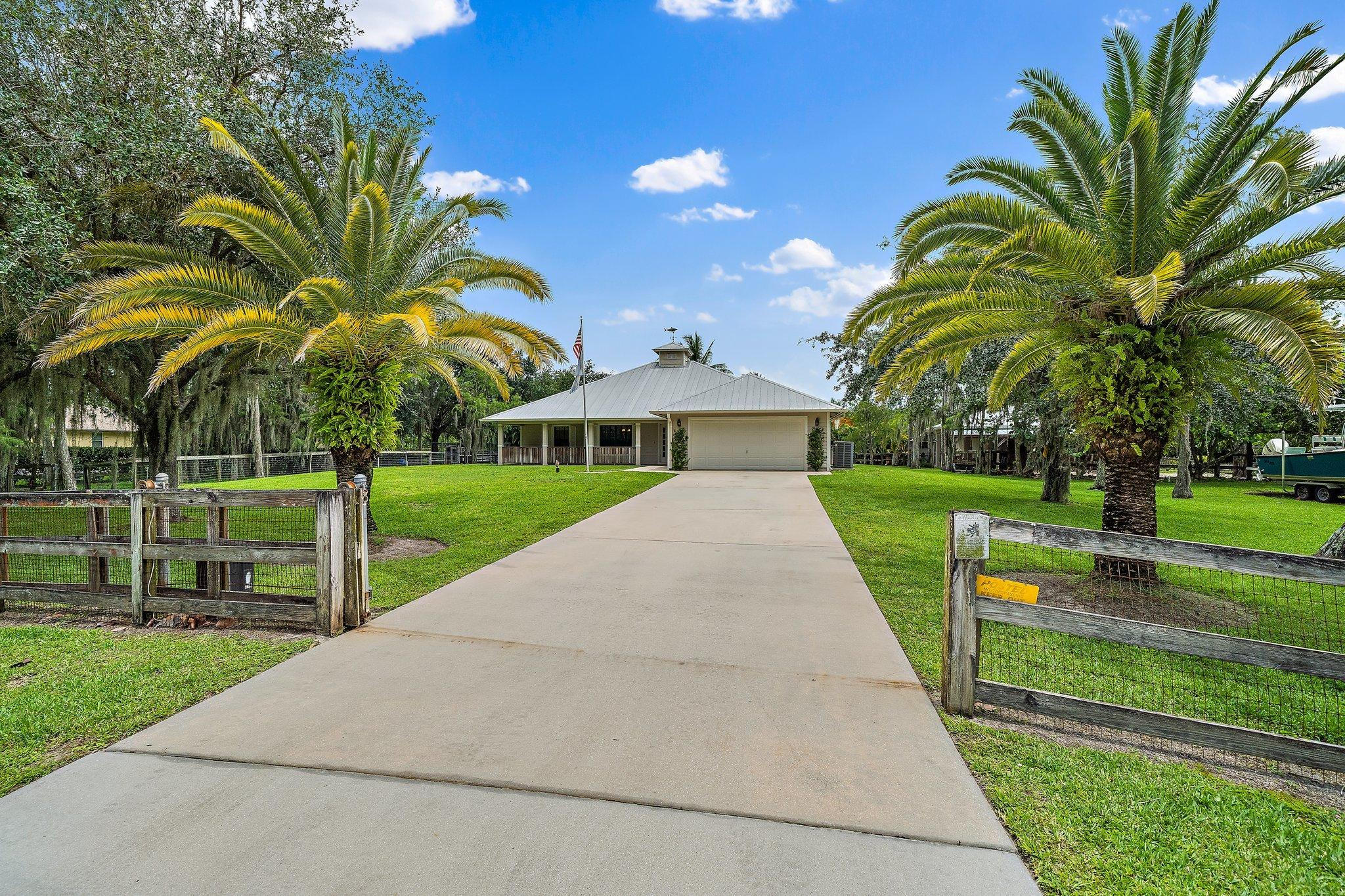 15292 87th Trail Palm Beach Gardens, FL 33418