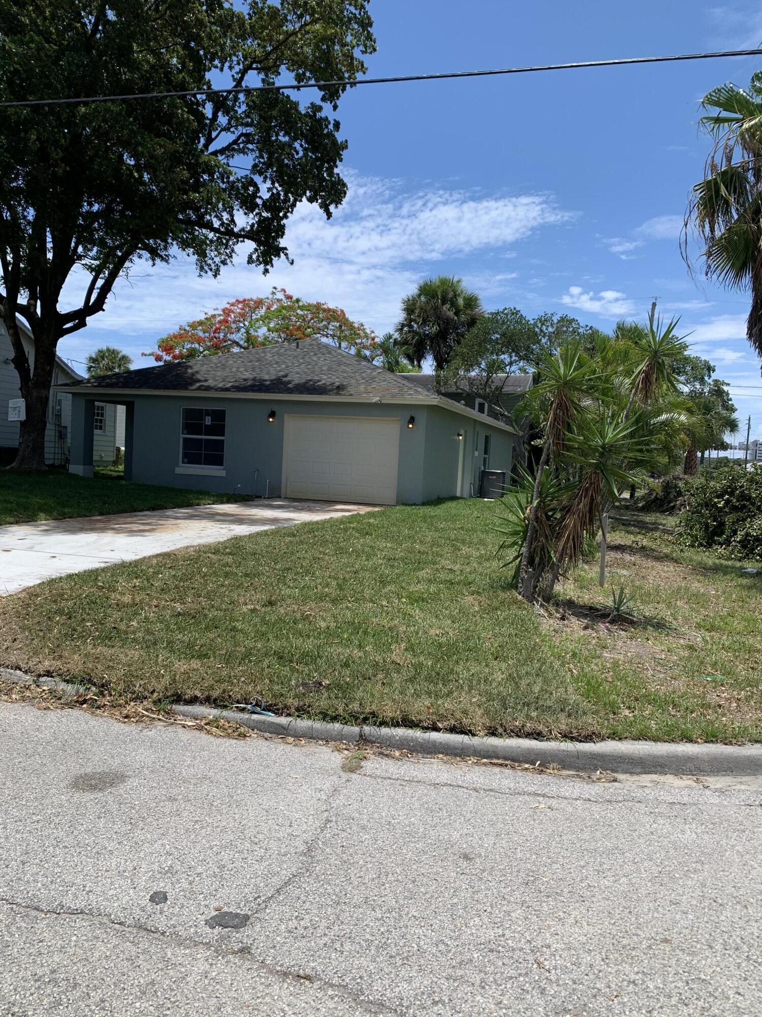 Photo of 1290 Alpha Street, West Palm Beach, FL 33401