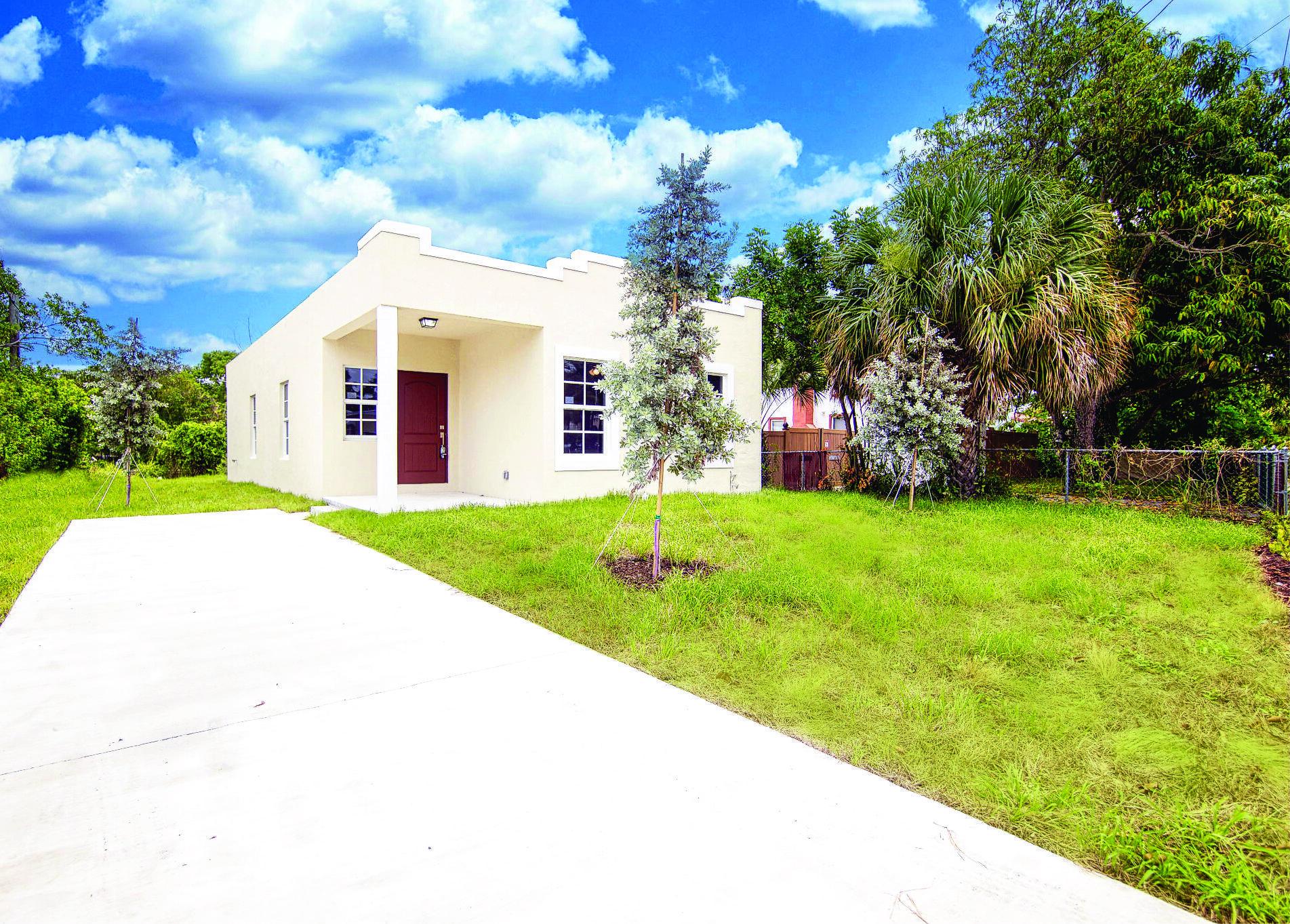3226 Greenwood Avenue West Palm Beach, FL 33407 photo 3