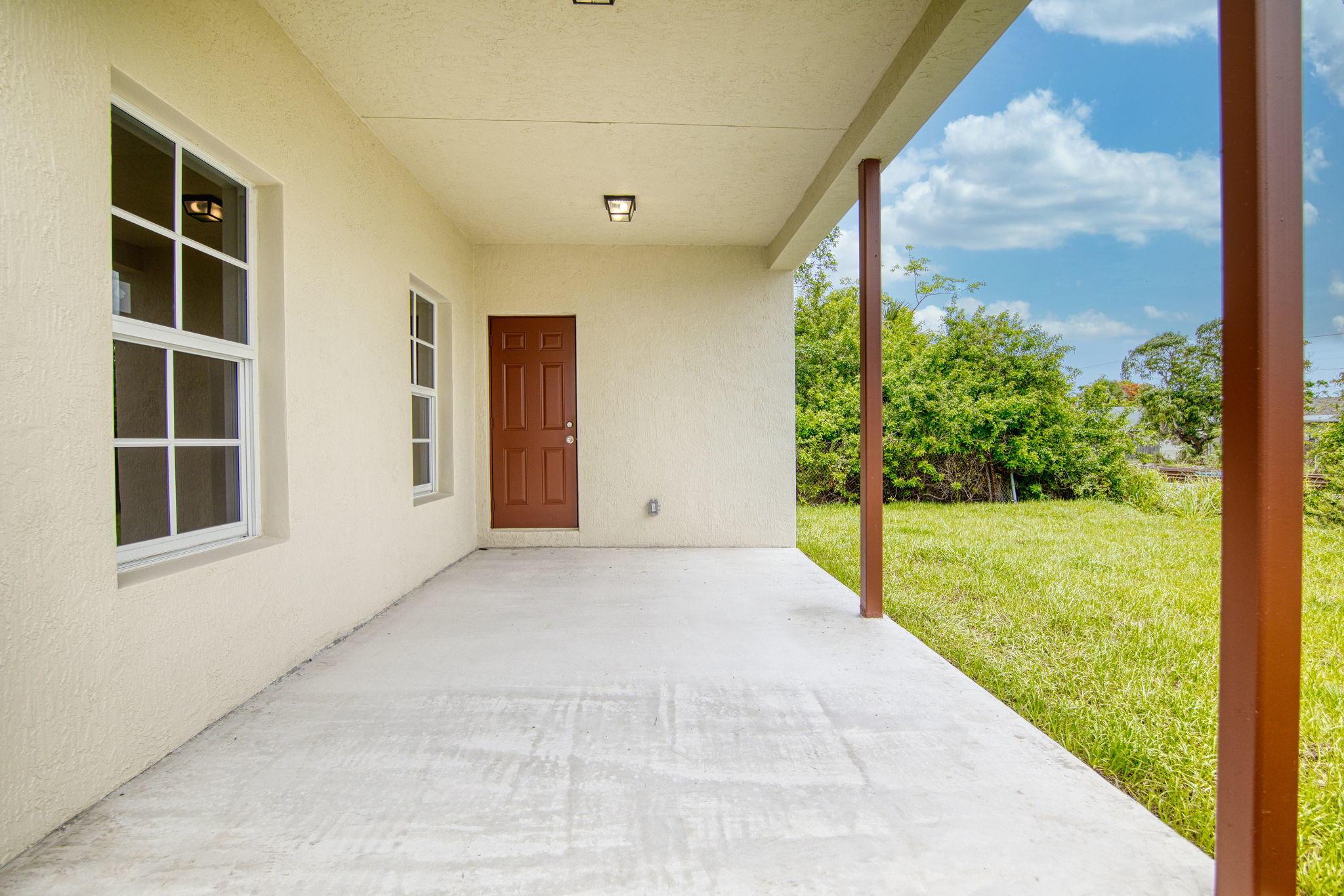 3226 Greenwood Avenue West Palm Beach, FL 33407 photo 7