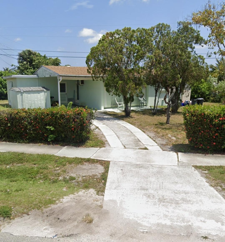 3985 Tuskegee Drive  Lake Worth FL 33462