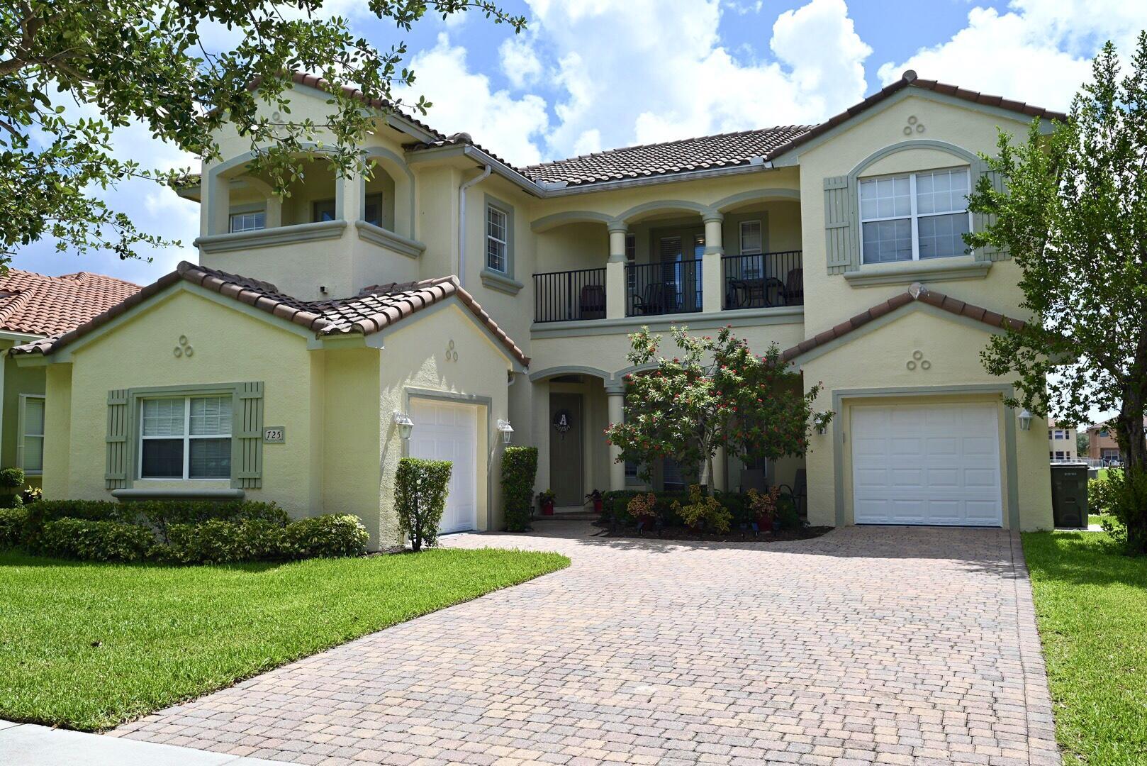 725 Cresta Circle West Palm Beach, FL 33413