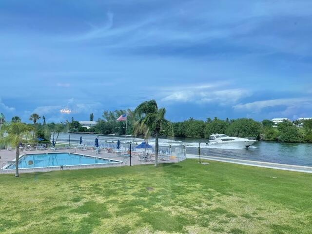 6 Colonial Club Drive 202  Boynton Beach FL 33435