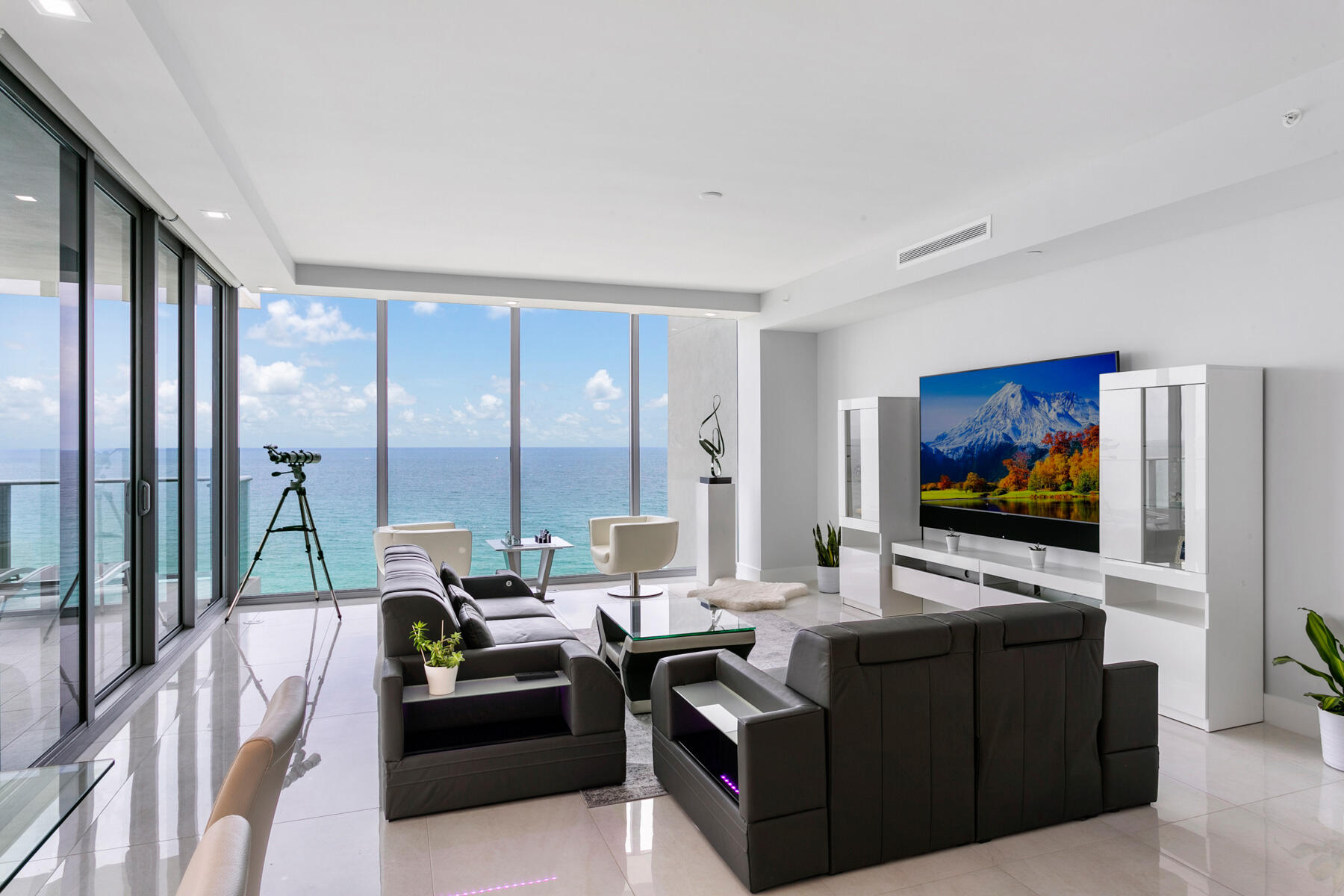 Living Room_02_web