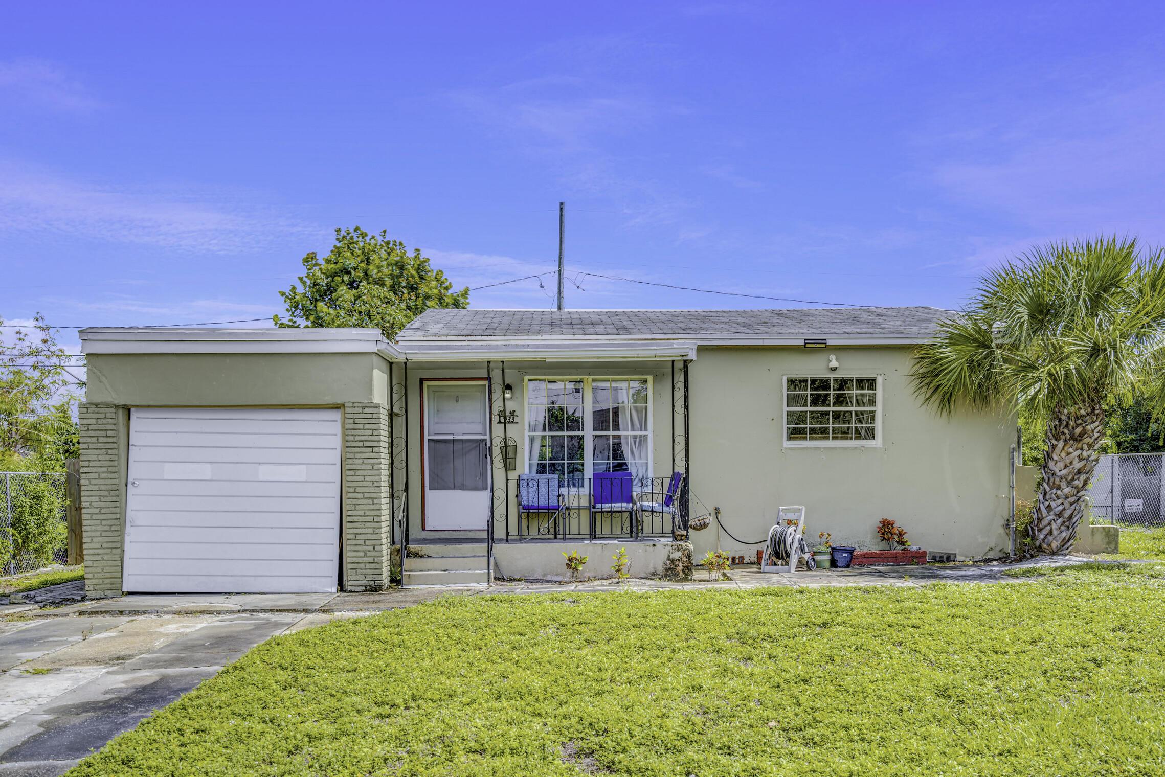933  43rd Street  For Sale 10727311, FL