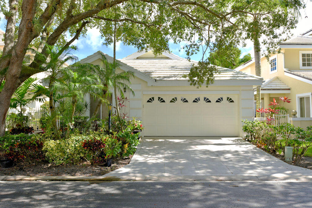 Enjoy the beautiful south Florida weather in this lovely home. The view is quiet and peaceful.  2 bed/2 bath + den.  Rental comes with a Full Family Tennis Membership (transfer fee required) where you can enjoy the PGA National Resort amenities, tennis courts, gym, resort pool and members club.  Available for Jan & February 2022